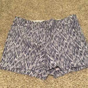 Patterned shorts size 2